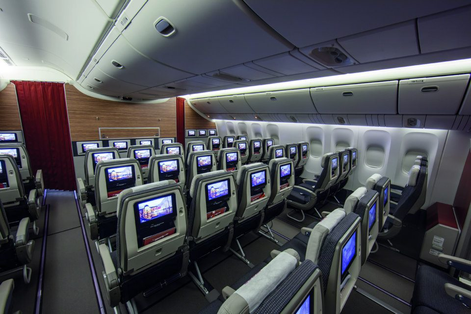 TAM Launches Spectacular New 777 In Flight Cabin