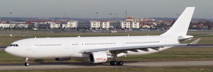 F-WWYQ-Iberia-Airbus-A330-300_PlanespottersNet_352689