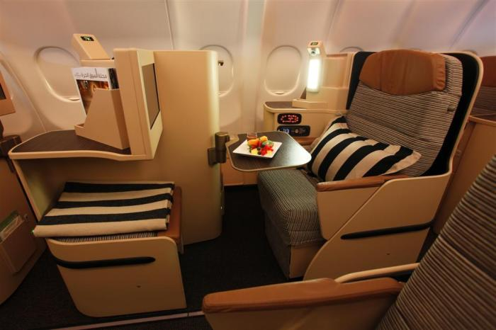 Etihad_Airways_Pearl_Business_class_Large