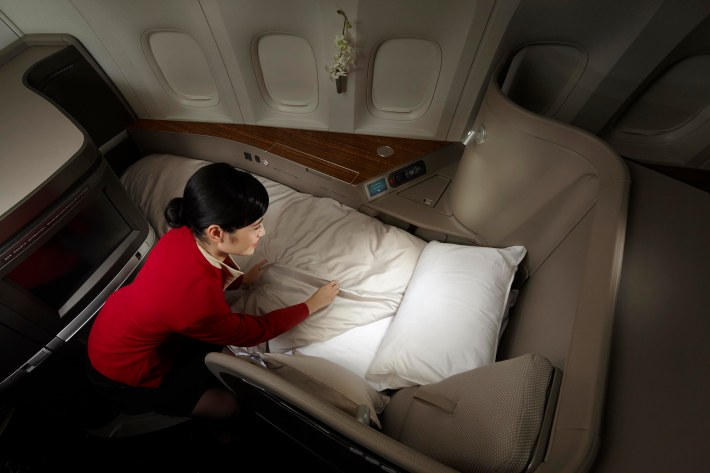 A completely redesigned bedding offers passengers the ultimate in slumber comfort
