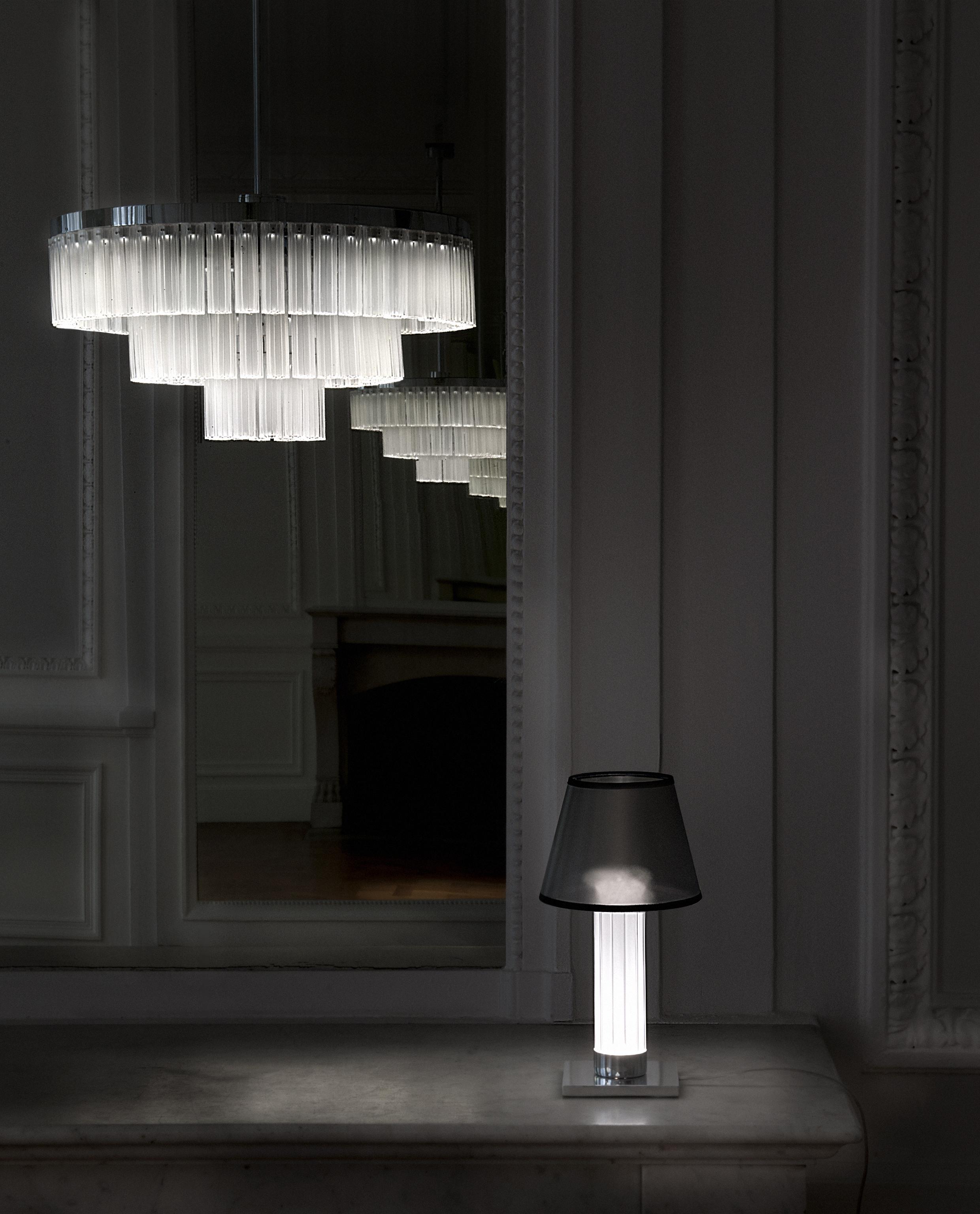 lustre 3 rangs et lampe thedesignair. Black Bedroom Furniture Sets. Home Design Ideas