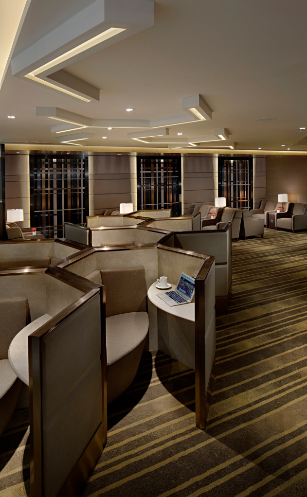 Plaza Premium Lounge_West Hall_HKIA_Honeycomb Seating