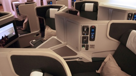 The centre seats of the Business Class cabin, private or share the space, it's your choice!