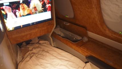 Emirates A380 EK216 021