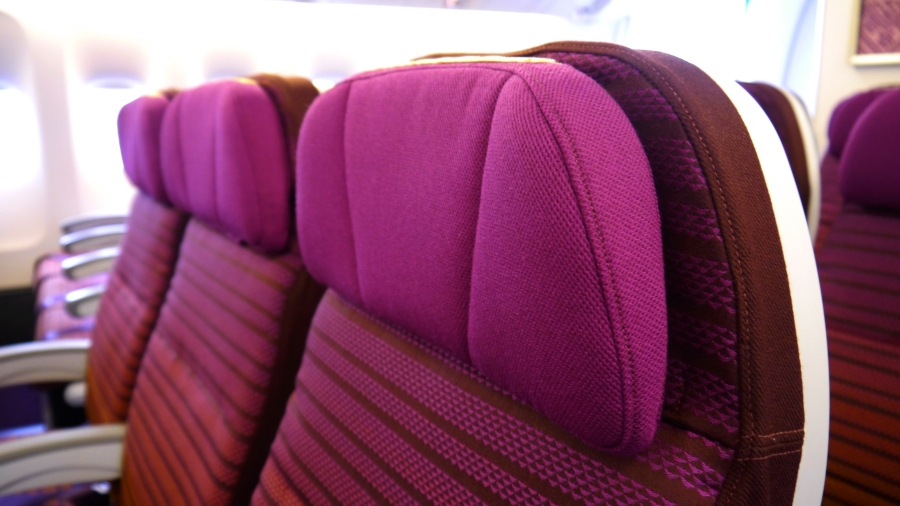 PG_THAI B777_Economy headrest