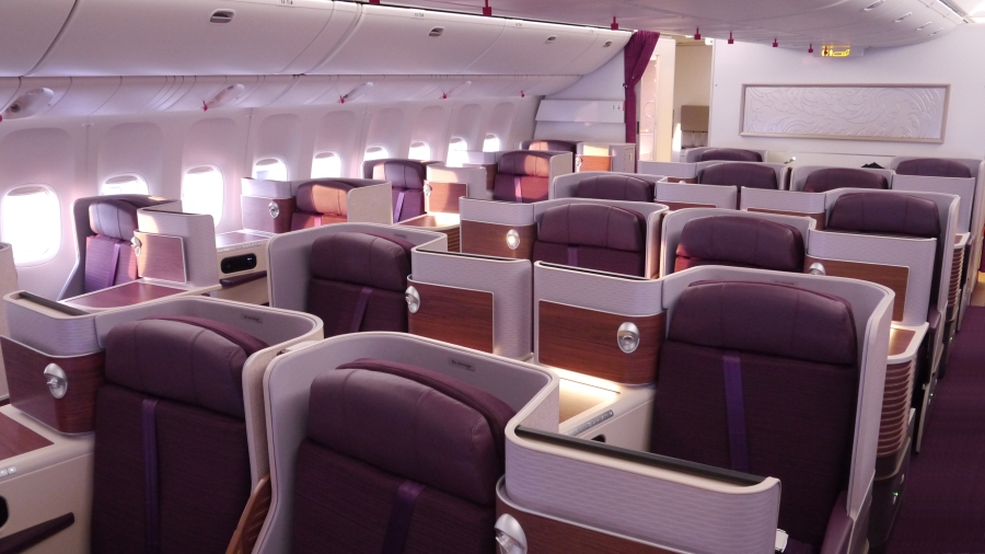 PG_THAI B777_Royal Silk cabin