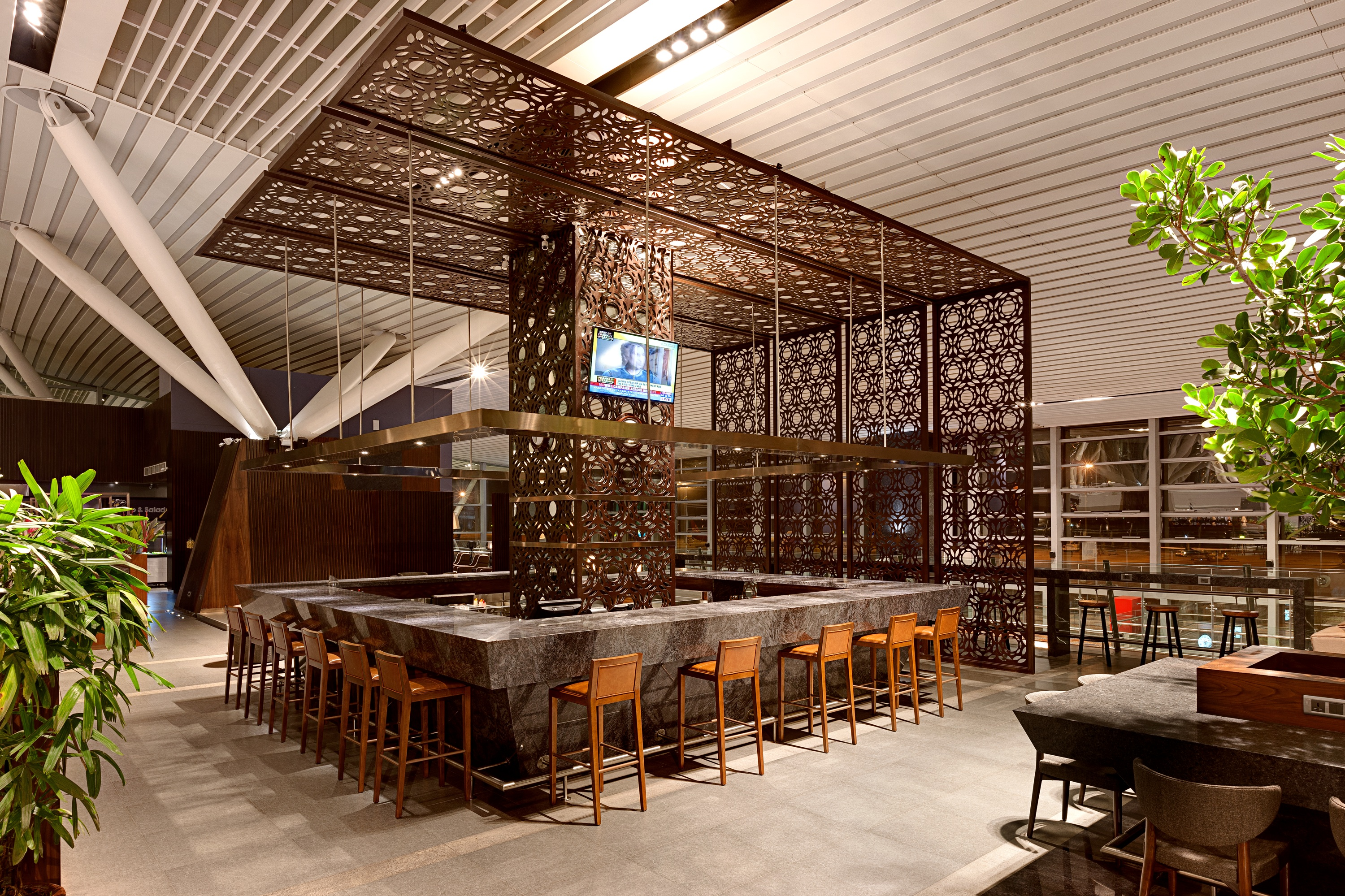 Plaza Premium Lounge, Kempegowda, Bar Area, Domestic. «