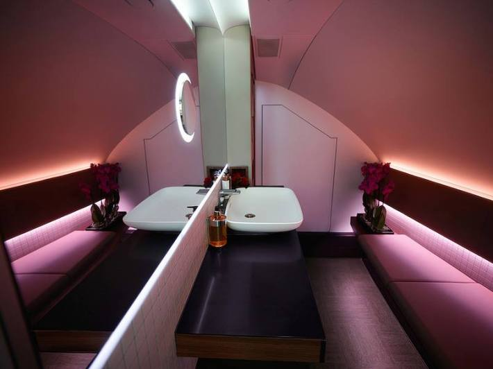 qatar A380bathroom