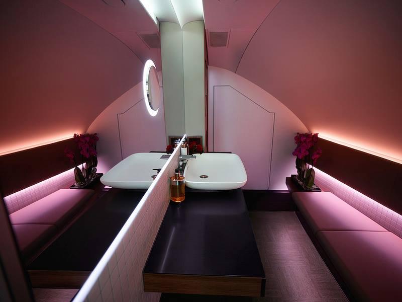 qatar A380bathroom