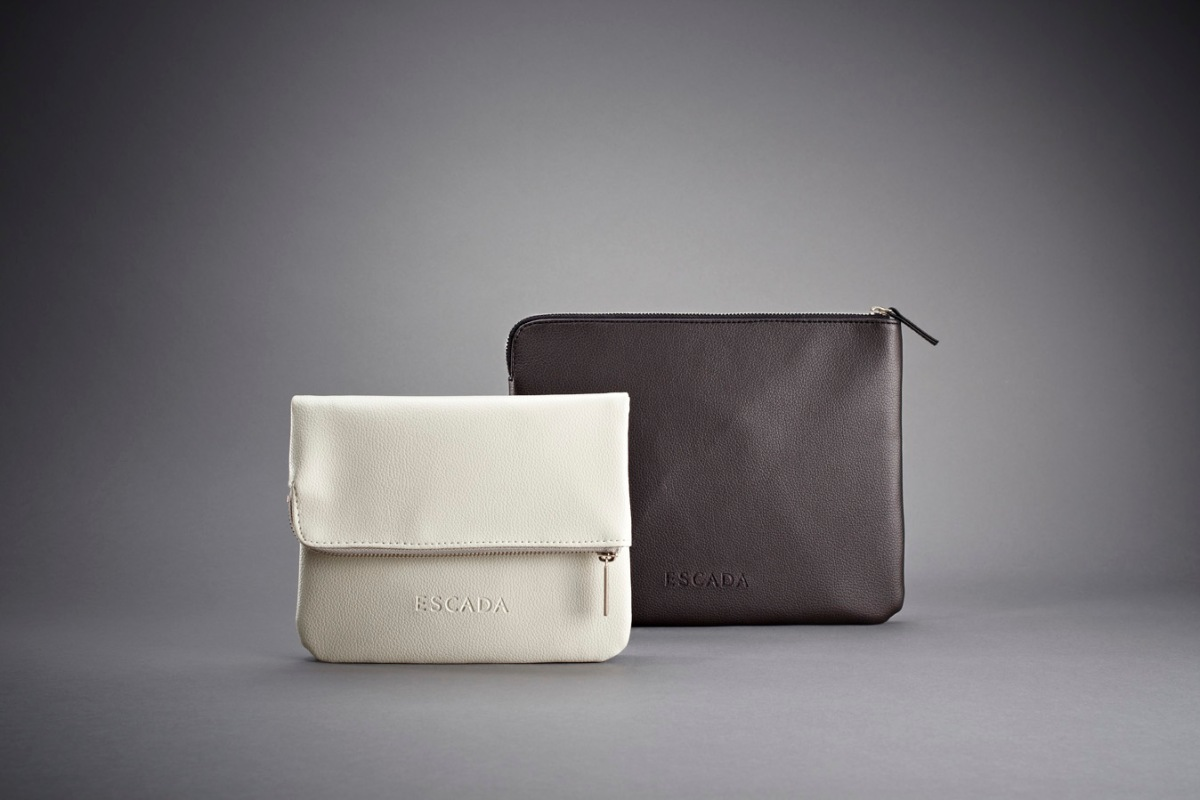 new amenity kits from lufthansa and austrian thedesignair. Black Bedroom Furniture Sets. Home Design Ideas