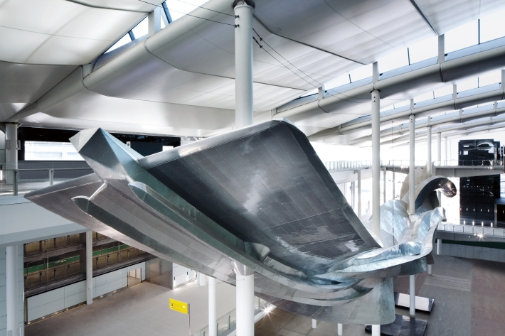 Slipstream by Richard Wilson at Heathrow's new Terminal 2 The Queen's Terminal. Photograher David Levene 8
