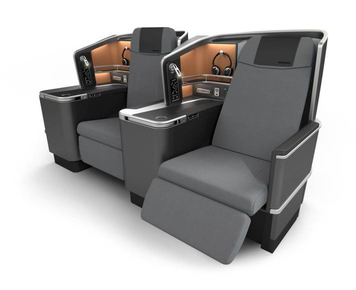 SAS Scandinavian Airlines Business Class Thomson Vantage XL Seat