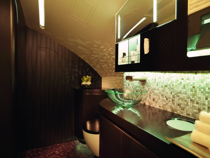 FIRST_CLASS_WASHROOM