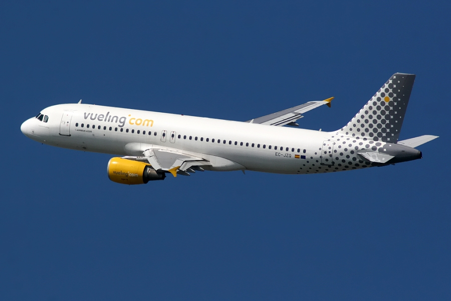 Airbus_A320_Vueling