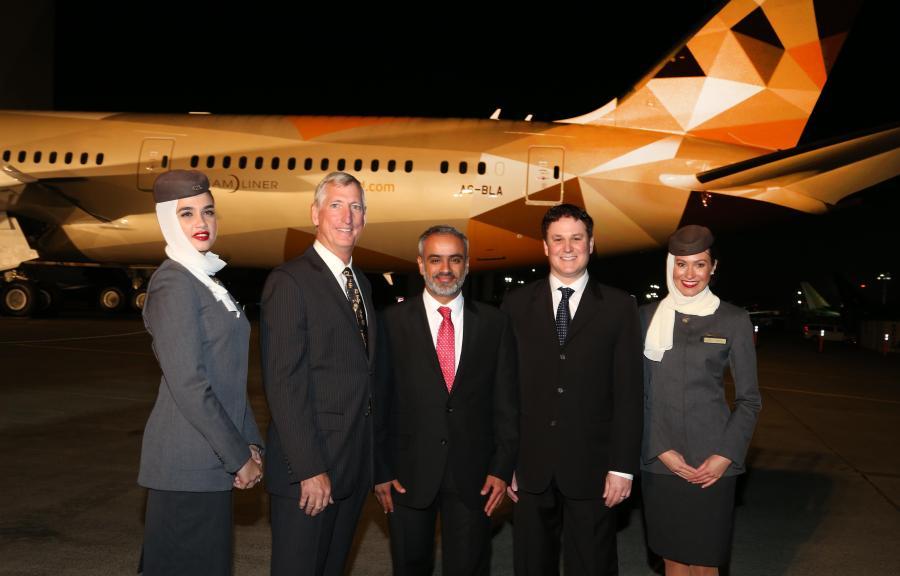 Etihad Airways - First Boeing 787-9 Arrival - Photo 2