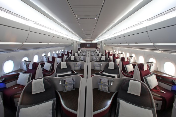 Pic 38 Qatar Airways' Airbus A350-900 ­ Business Class