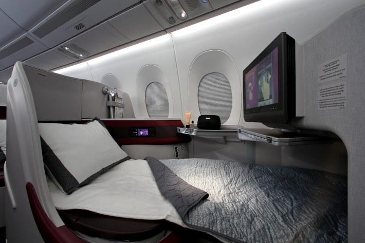 Pic 45 Qatar Airways' Airbus A350-900  Business Class