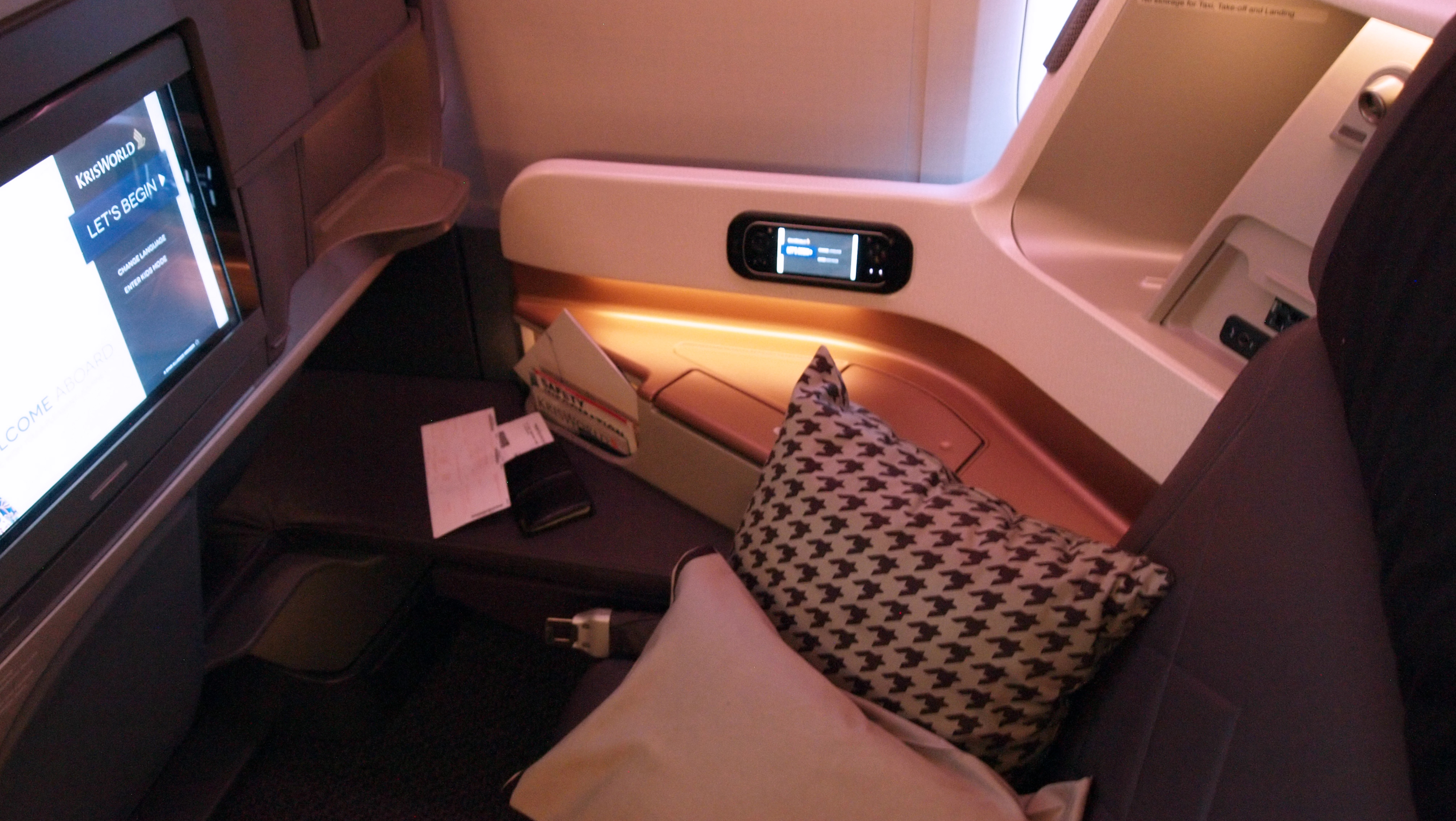 Trip report singapore airlines new 777 300er business class may 2015 thedesignair - Singapore airlines office ...