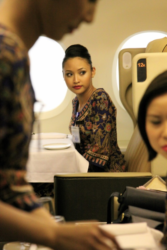 we take you behind the scenes at singapore airlines