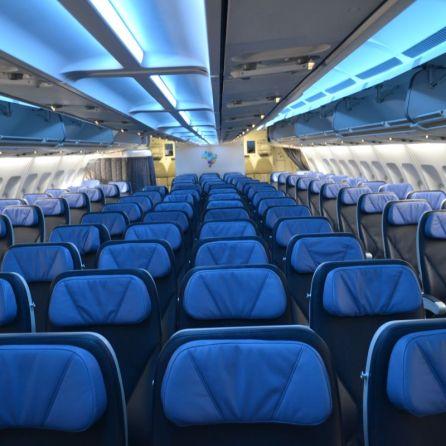 Azul-A330-economica-011