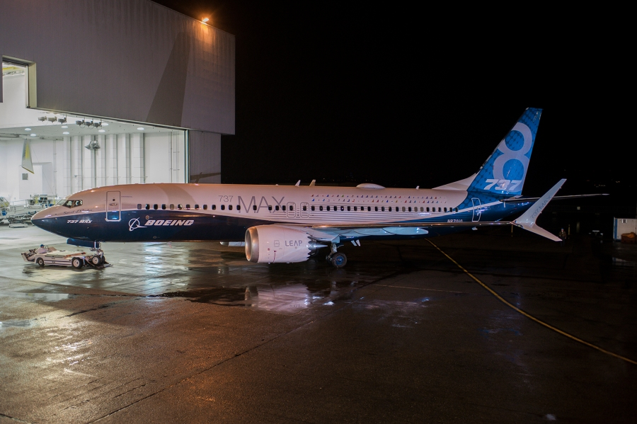 737 MAX 1A001 5602 737-800 P2 Paint Roll Out Renton
