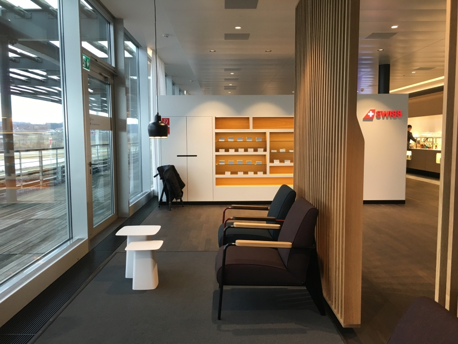 SWISS_neu_BUSINESS_Lounge_Dock_E_svenblogt_de_ - 17