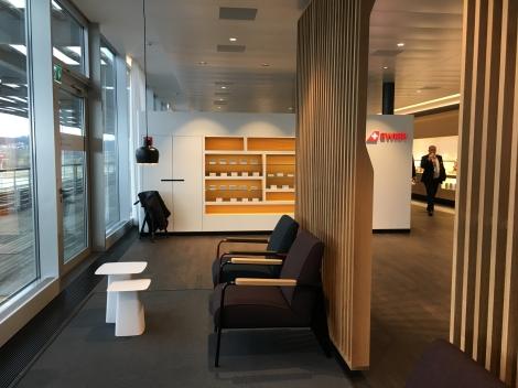 SWISS_neu_BUSINESS_Lounge_Dock_E_svenblogt_de_ - 19