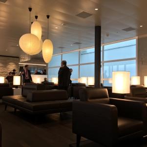 SWISS_neu_BUSINESS_Lounge_Dock_E_svenblogt_de_ - 21