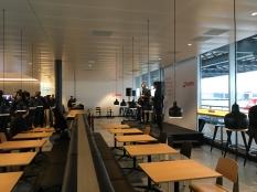 SWISS_neu_BUSINESS_Lounge_Dock_E_svenblogt_de_ - 8