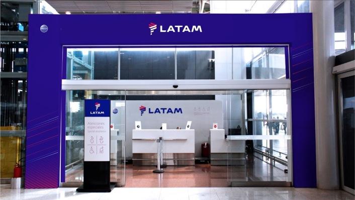 LATAM_Portico_aeropuerto de Congonhas