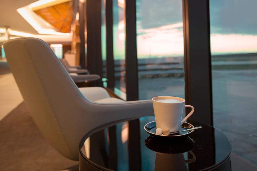 Melbourne Premium Lounge_window vista