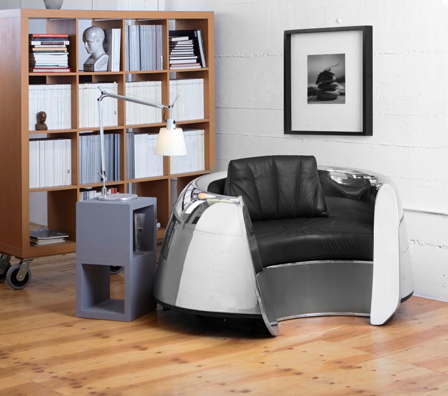 667066010495_cowling-chair