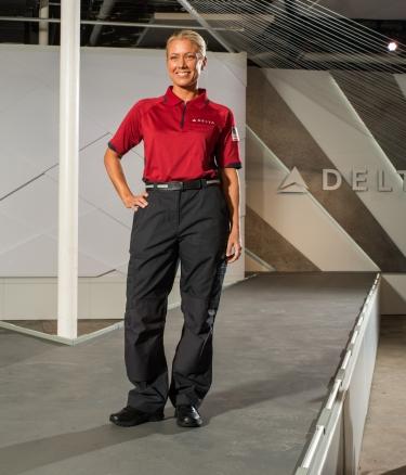 airport-customer-service-below-wing_30290993722_o