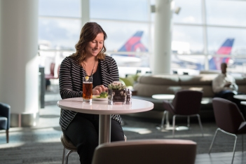 the-new-delta-sky-club-in-seattle_30367396851_o
