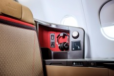 priestmangoode-south-african-airways-a330-business-class-seat-detail-3_photo