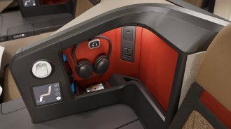 priestmangoode-south-african-airways-a330-business-class-seat-detail
