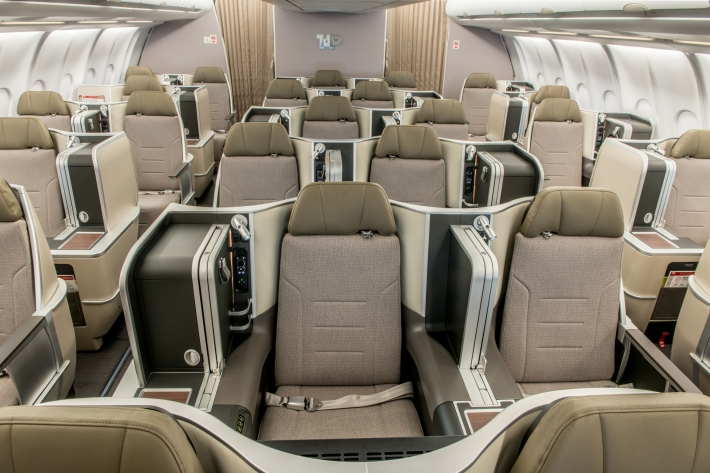 A330 renovado - classe executiva.jpg