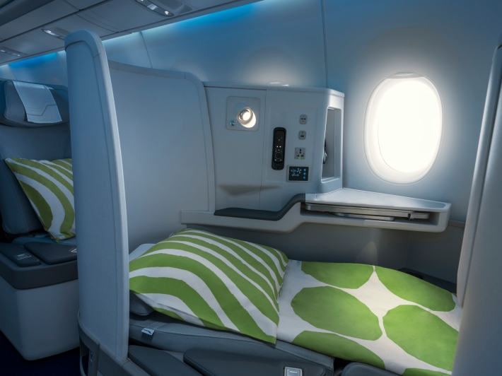 Finnair A350 business class cabin, full flat seat_86