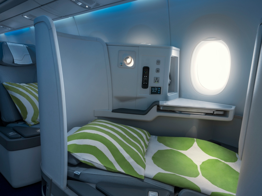 Finnair A350 business class cabin, full flat seat_86