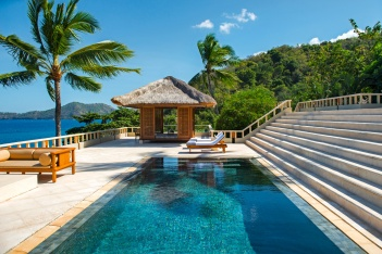 Overlooking the beach and Amuk Bay, the 660 square-metre (7,104 square feet) two-bedroom Amankila Suite offers a private butler service, large terrace and aquamarine-tiled pool