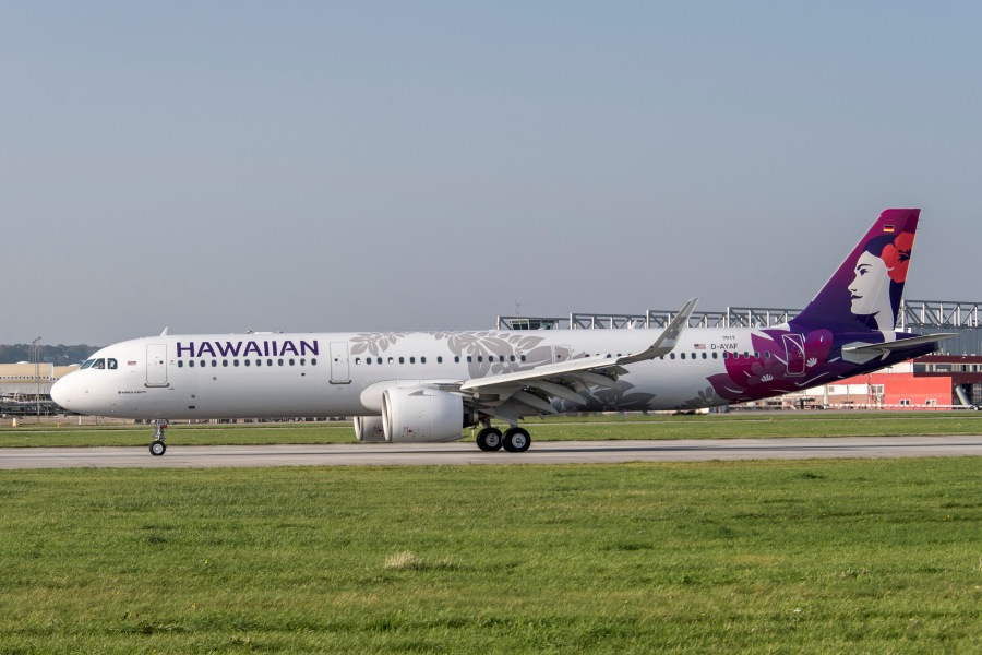 HA A321neo taxing