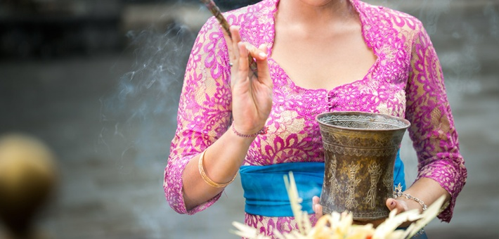 traditional-balinese-blessing_0.jpg