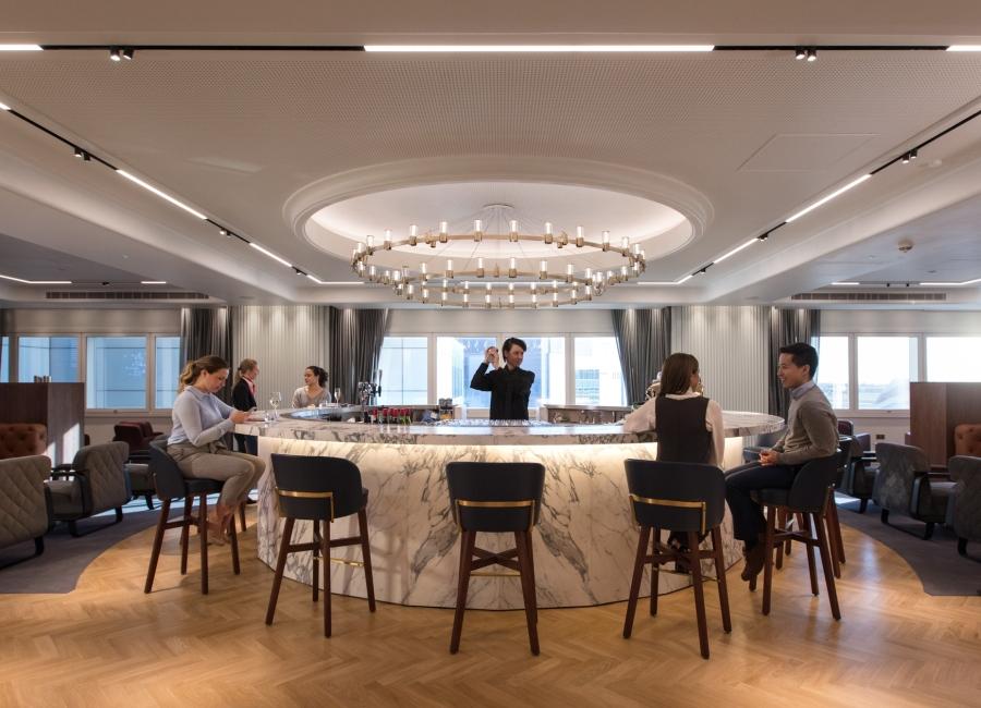 9. Cocktail bar