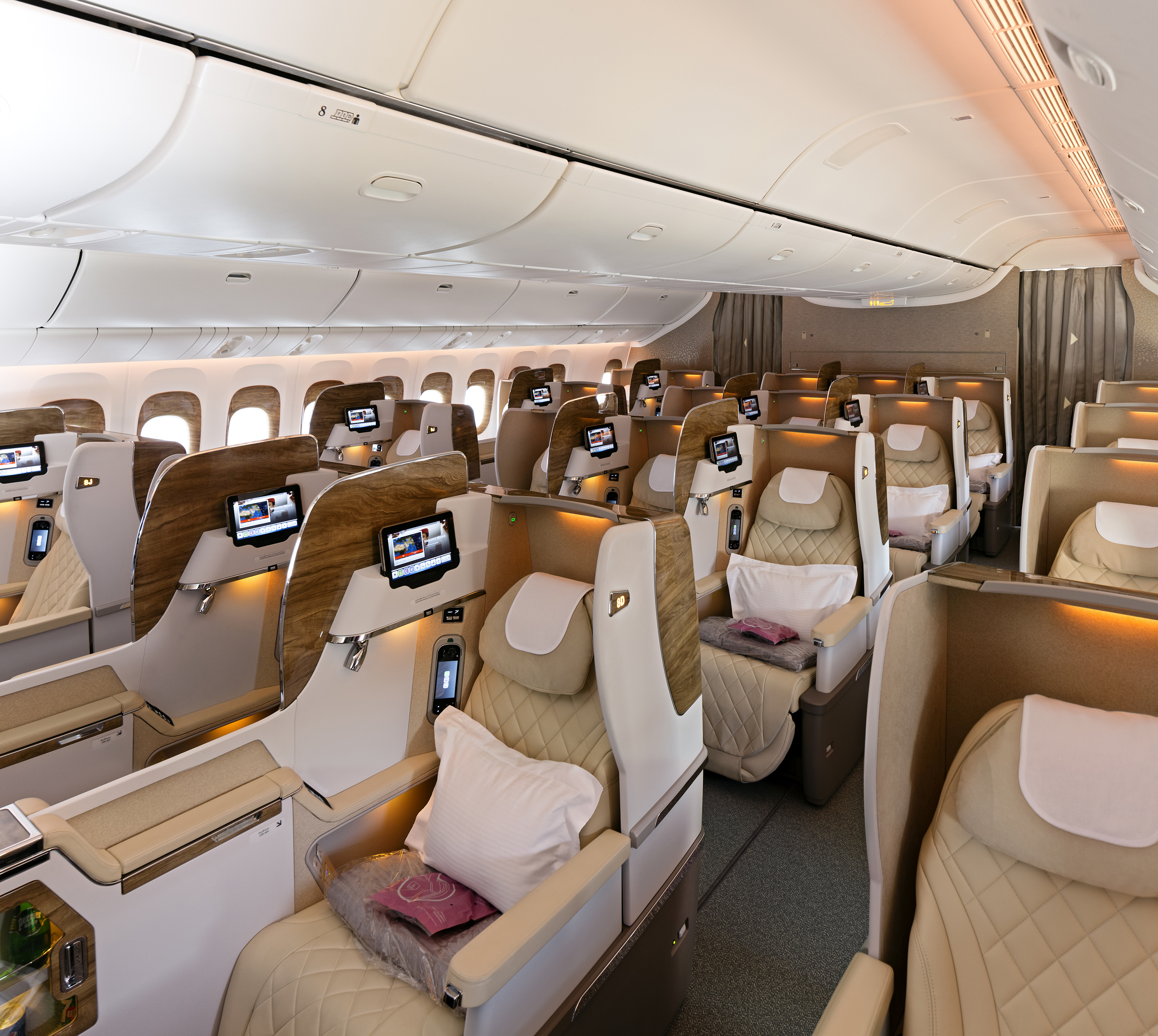 business-class-cabin-on-boeing-777-300er