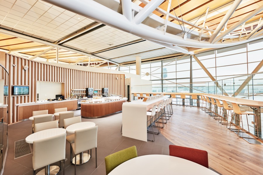 SkyTeam Lounge Vancouver_Buffet_East Wing