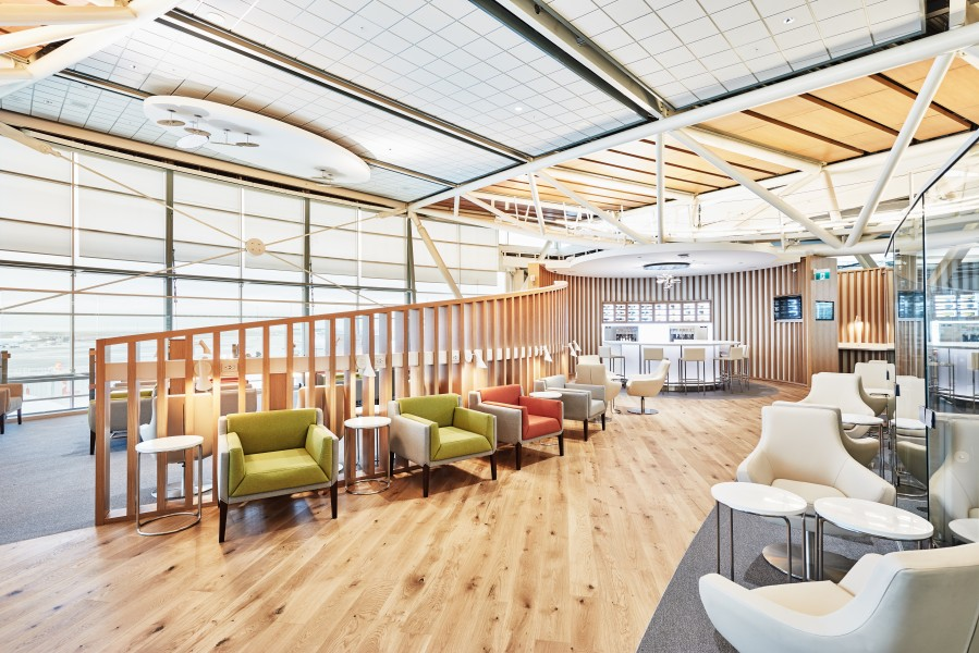 SkyTeam Lounge, west wing with wine bar