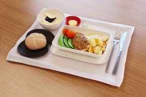 Business Class tableware (with food) 2