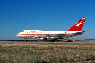 Registration: VH-EAA Type: Boeing 747SP-38 C/N: 22495-505 Airline: Qantas Australia Location: Melbourne Tullamarine Date: February 1981 Photographer: Graham Bennet