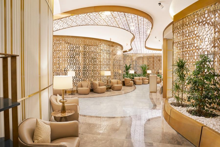 7690_Oman_Air_1655_Hallway_R3