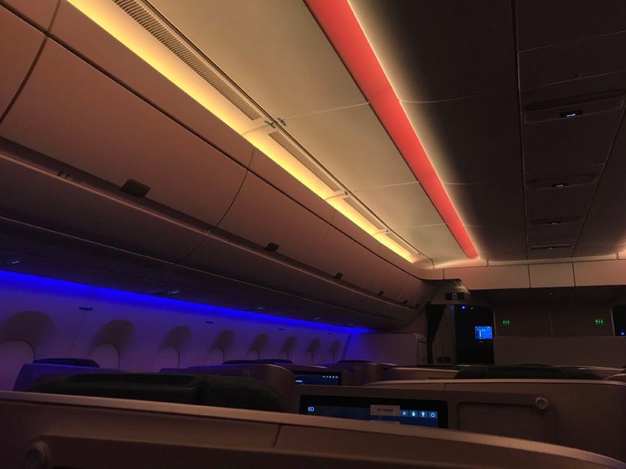 LIFT-PAL-A350-lighting-nationalday-low